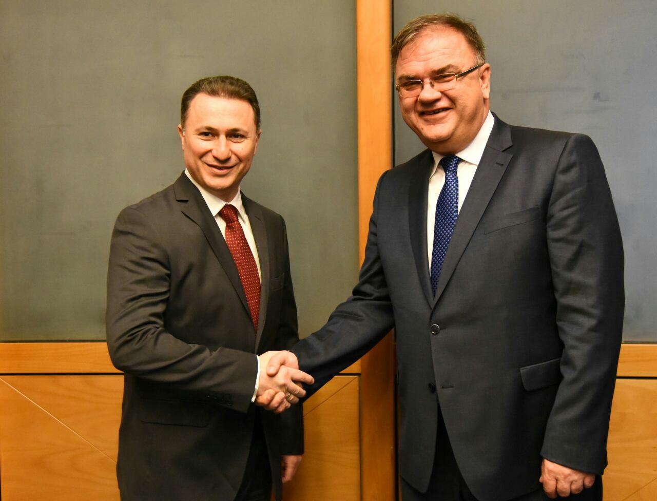 Груевски на средба со Иваниќ  Излезот се брзи избори