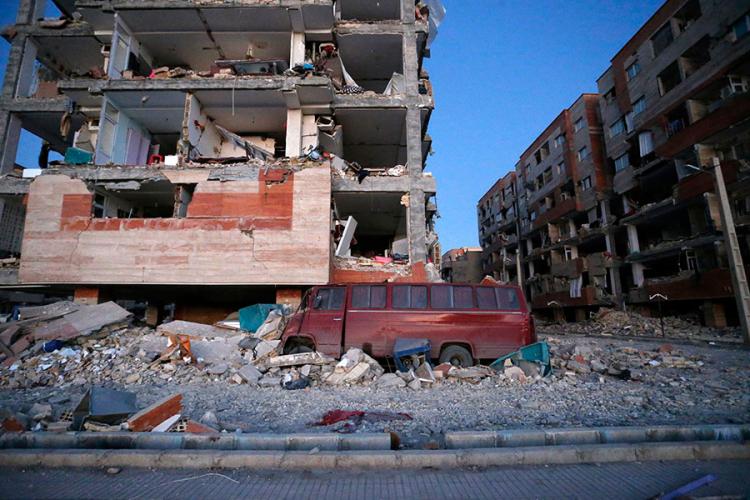 Над 200 загинати во земјотрес во Иран и во Ирак