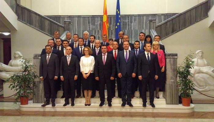 Премиерот и министрите ќе одговараат на пратенички прашања