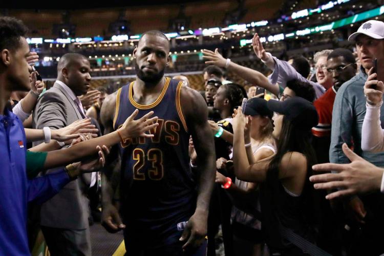 Објавени најдобрите петорки во НБА лигата за сезонава