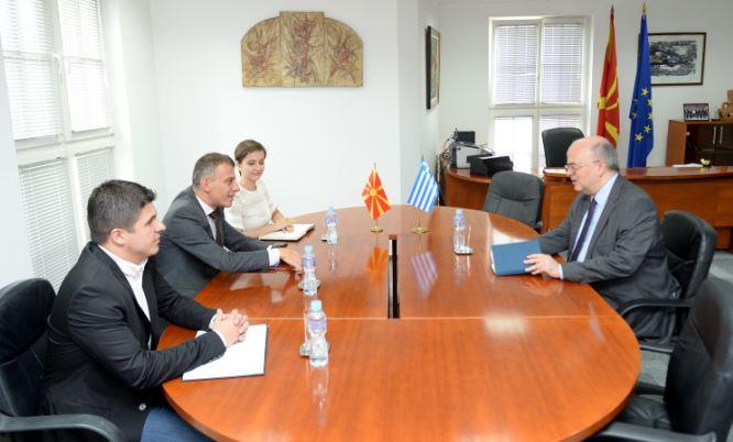 Средба на министерот Адеми со грчкиот амбасадор Јанакакис