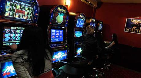 Од скопско казино украдени 812 000 денари