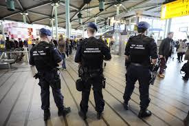Полицијата и обвинителството од холандската влада  бараат враќање на визите за албанските граѓани