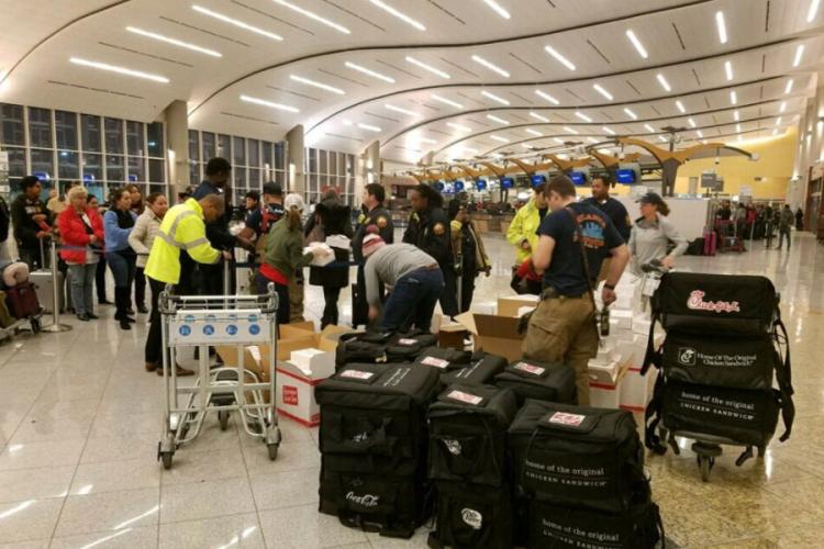 Илјадници патници блокирани на аеродромот во Атланта