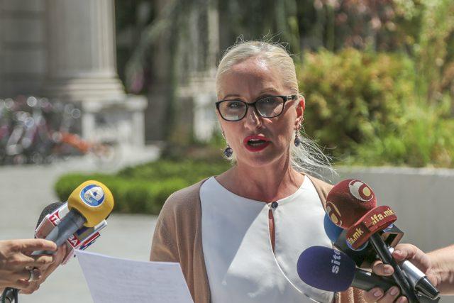 Ѓелова Стојанова  Во ребалансот на Буџетот СДСМ предлага дополнителни задолжувања