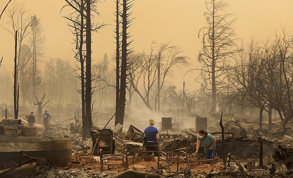 Расте бројот на загинати и исчезнати во пожарите во Калифорнија