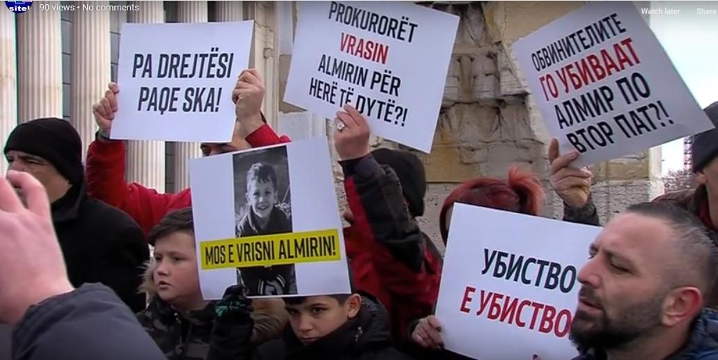 Протест пред Владата за малиот Алмир