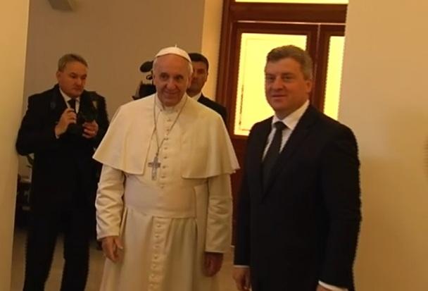 Иванов по средбата со папата Франциск  Унапредување на соработката меѓу Македонија и Ватикан