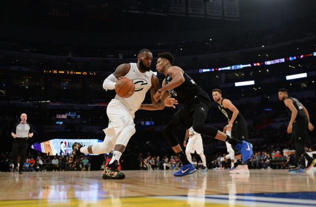 Тимот на Леброн подобар од тимот на Стеф  во натпреварот на НБА ѕвездите
