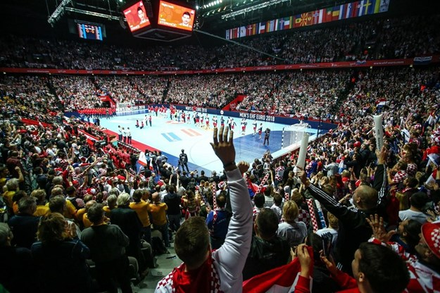 ЕП ракомет 2018  Хрватска импресивна против Србија