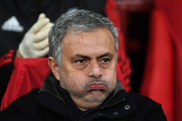 Навивачите на Манчестер бараат Мурињо да си замине