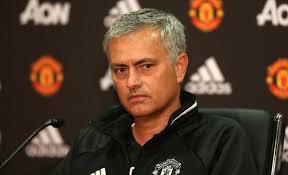Мурињо за Де Бур  Ги читам изјавите на најлошиот тренер во Премиер лигата
