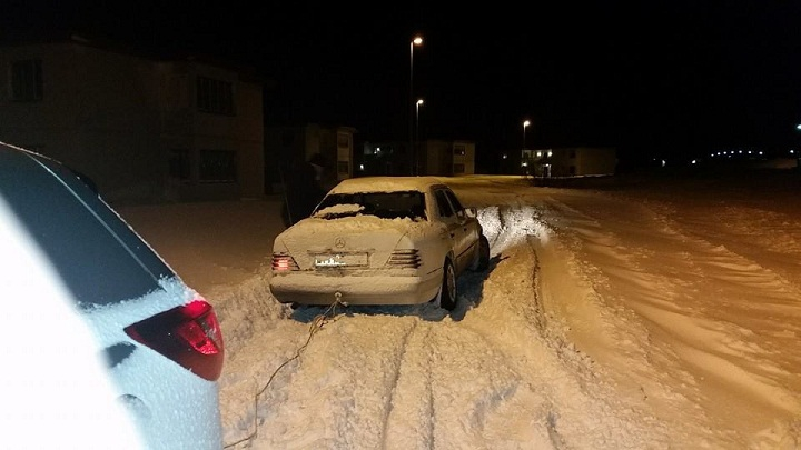 Снегот предизвика проблеми во сообраќајот