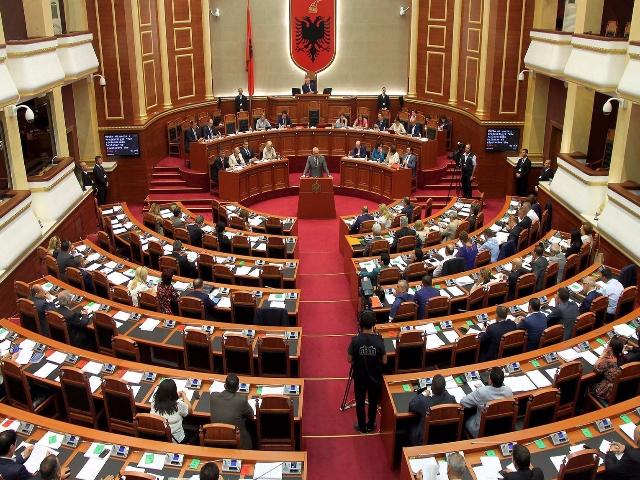 Тројца Македонци во трка за пратеник во Албанија