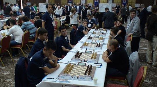 Убедлива победа за шахистите на Алкалоид  а висок пораз на Гамбит Асеко