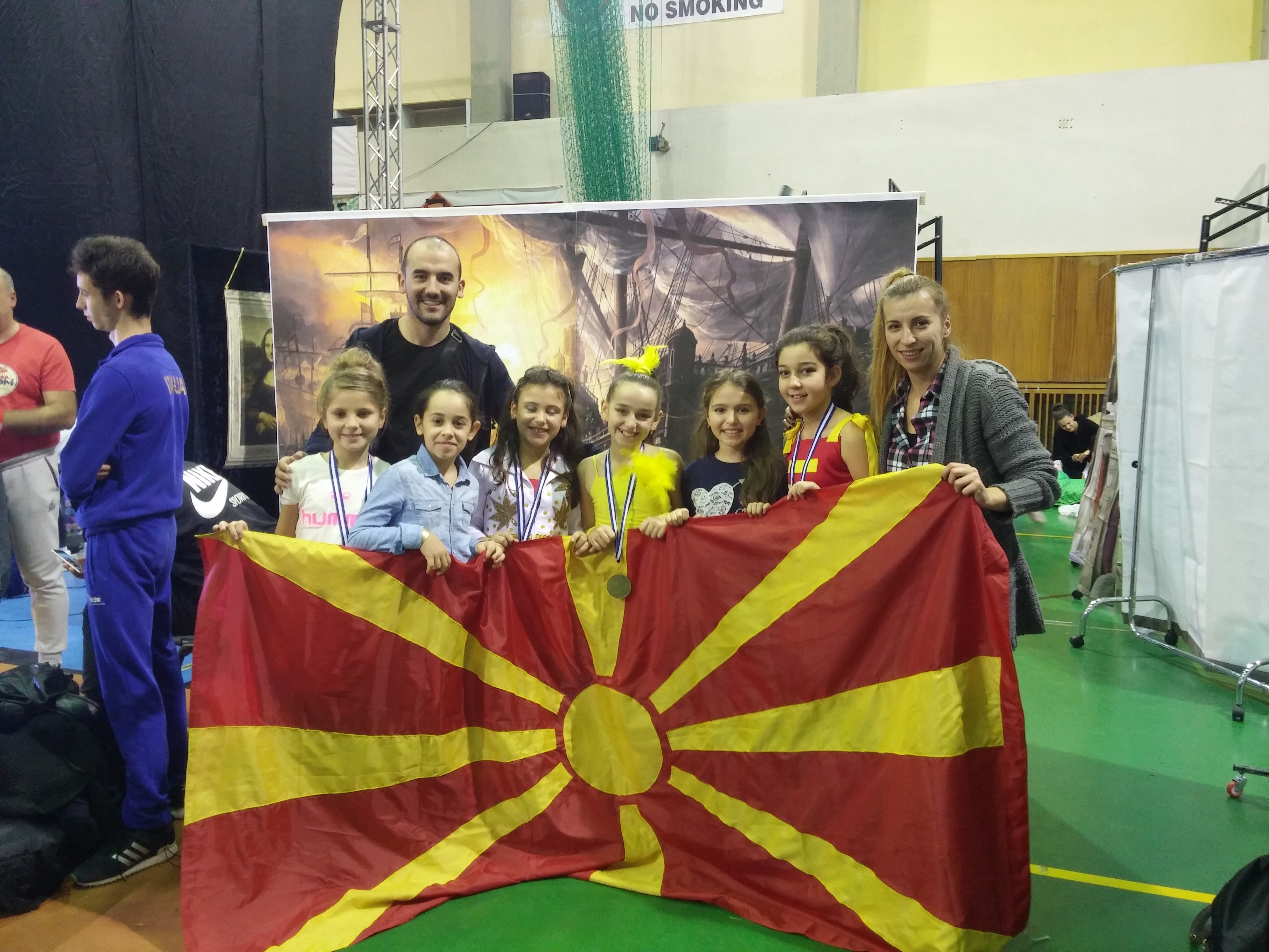 Седумте џуџиња  од Македонија  светски шампиони во Атина