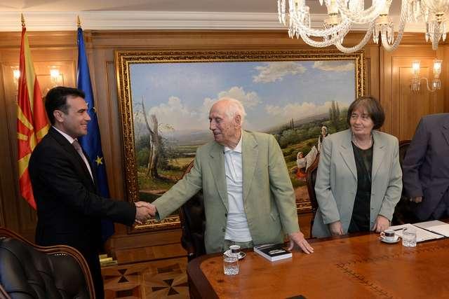 Премиерот Заев се сретна со претставници од Сојузот на борците