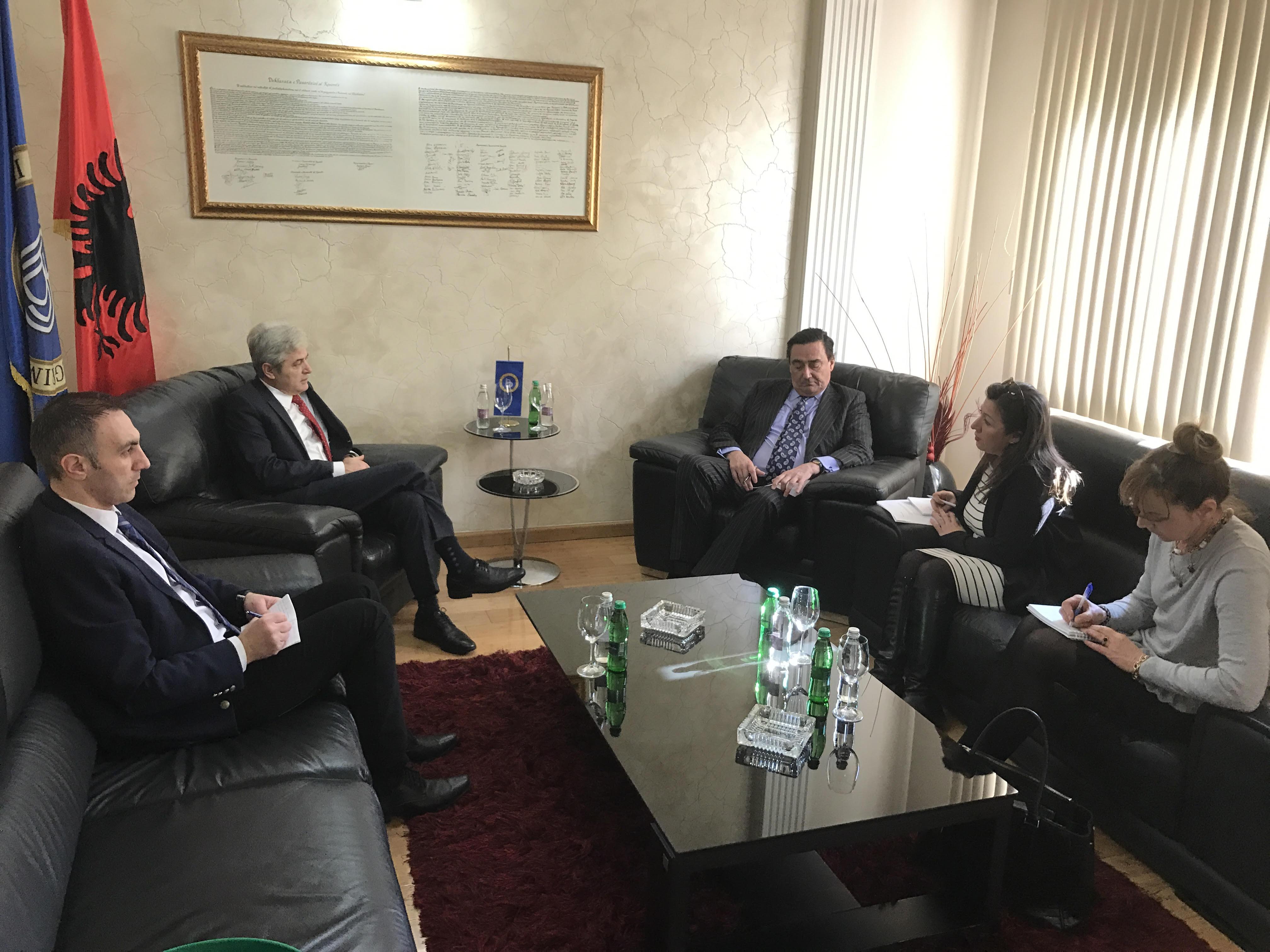 Средба на Ахмети со шпанскиот амбасадор