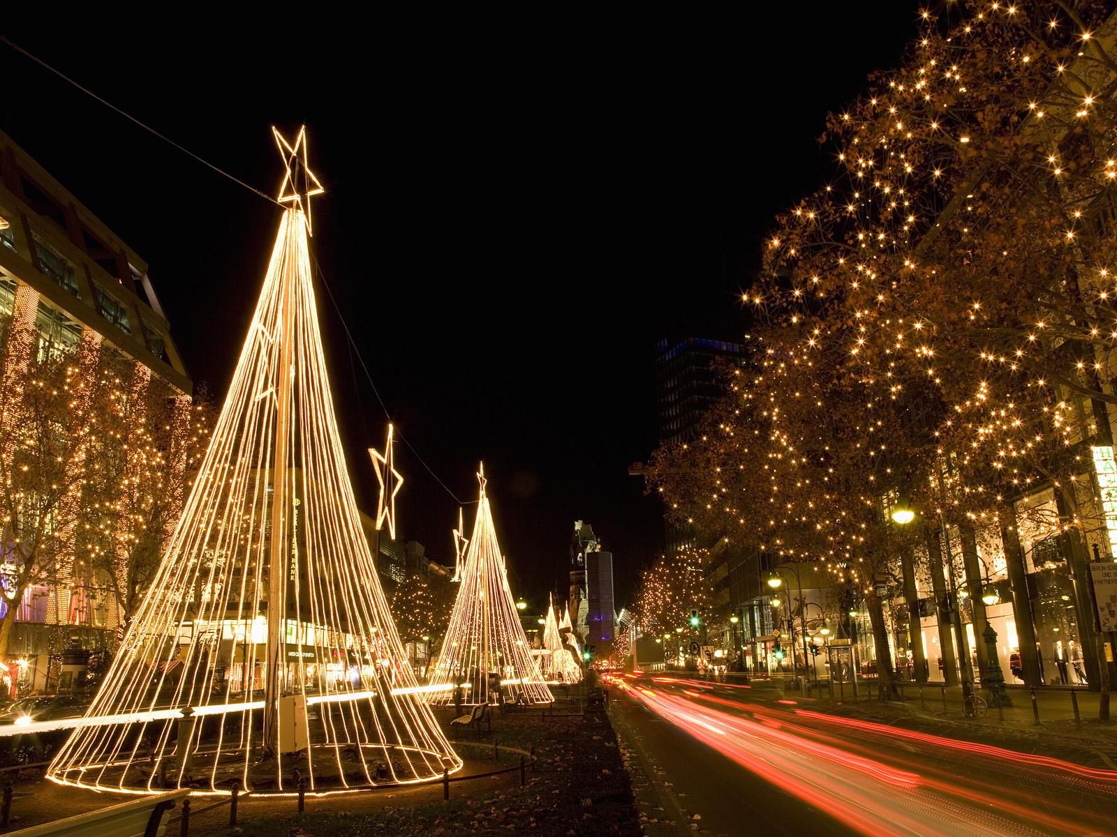 Во Берлин македонска божикна прослава со тупаници