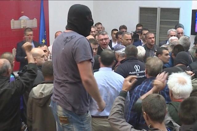 Кривична против 15 лица кои учествуваа во инцидентите   МВР ги препознало од видео снимките   петмина приведени
