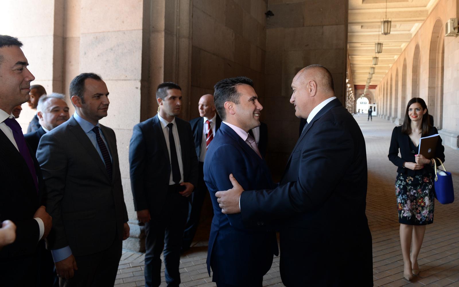 Премиерот Заев во работна посета на Софија
