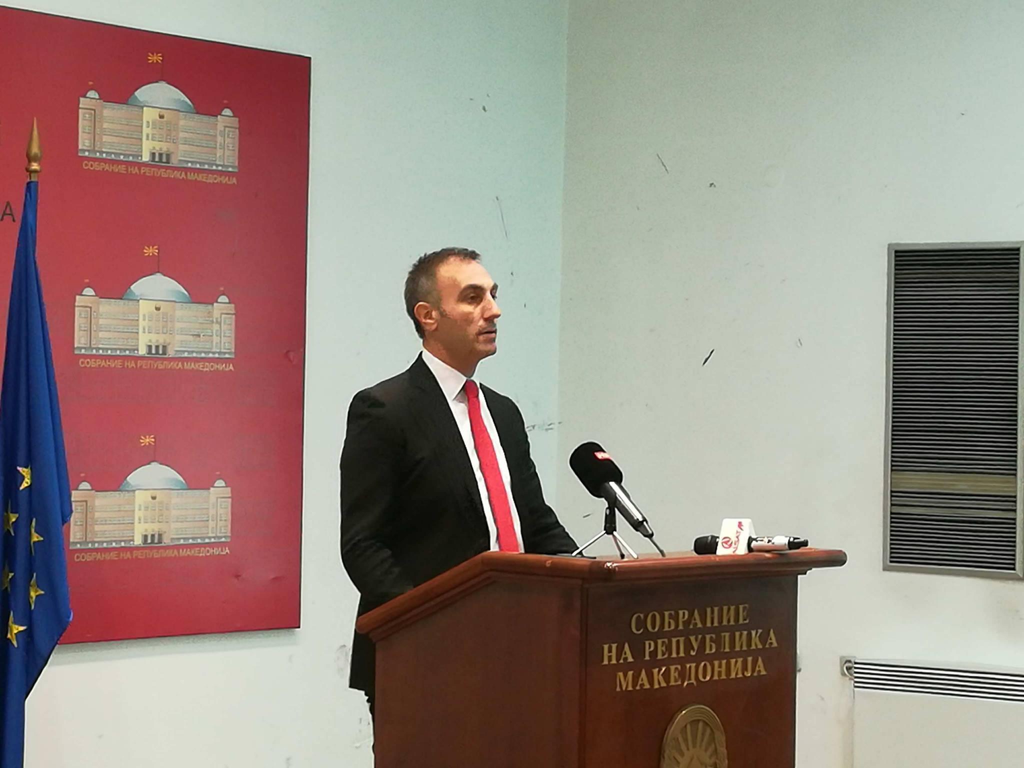 Груби очекува Иванов и ВМРО ДПМНЕ да го поддржат Законот за јазиците
