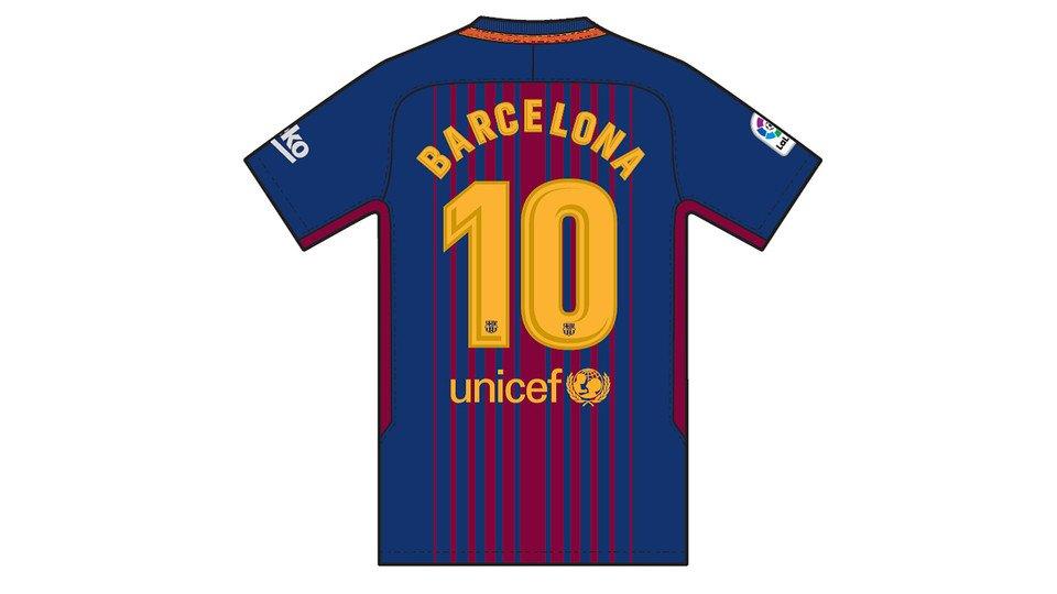 Фудбалерите на Барселона со посебни дресови