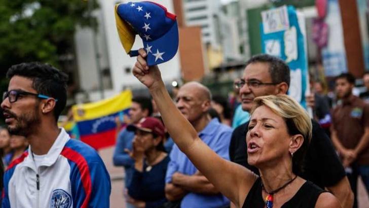 Шест лица убиени за време на неофицијалниот референдум во Венецуела