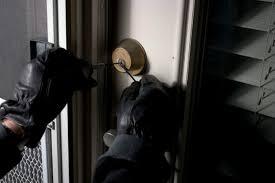 Од адвокатска канцеларија во Струмица укредени пари  накит и пиштол