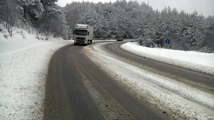 Забрана за камиони на патот Струга   Ќафасан