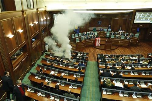 Хан ги повика косовските лидери на одговорност