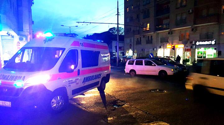 teshko-povredena-kavadarchanka-otkako-avtomobil-udril-vo-nea