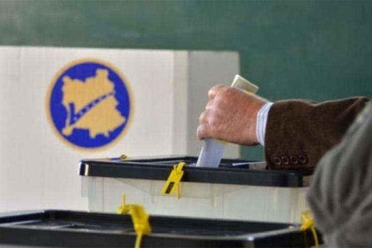 Затворени гласачките места на Косово