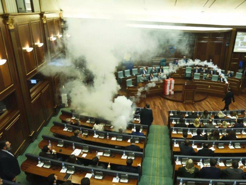 Ниту солзавецот не помогна   Косовскиот парламент го изгласа законот за демаркација