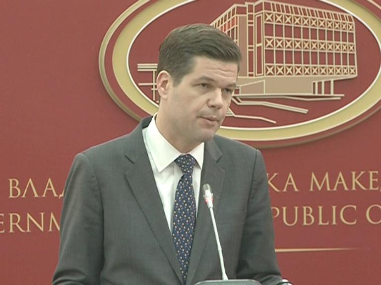 Мичел   САД е вклучен во процесот   решението да го најдат Скопје и Атина