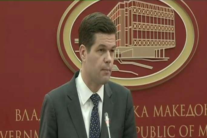 Мичел  САД ги поддржуваат Македонија и Грција да најдат решение