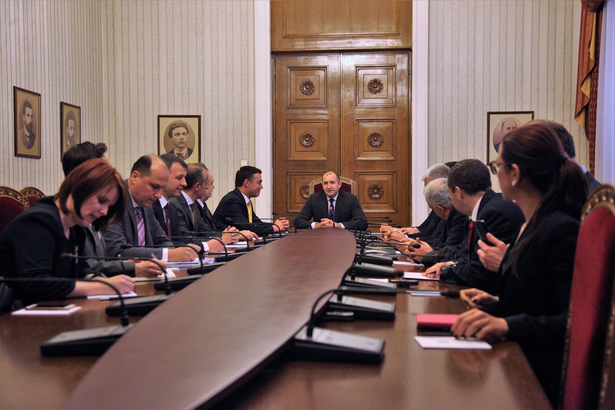 Димитров се сретна со Радев   Борисов и Захариева