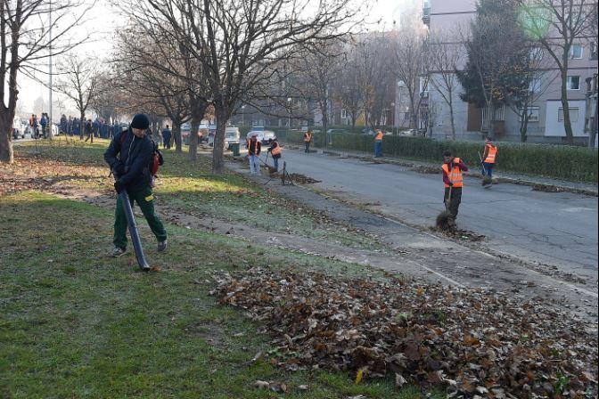 Во Бутел започна акцијата за чистење на улиците во Скопје