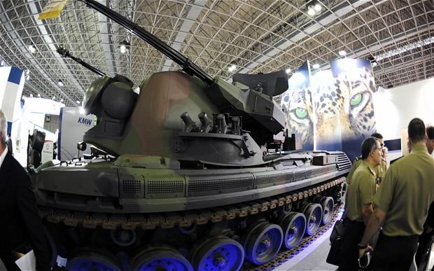 Бразил со тенкови ќе го обезбедува фудбалскиот Куп на Конфедерации