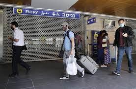 Во Израел повторно е задолжително носење заштитни маски во затворен простор на јавни места