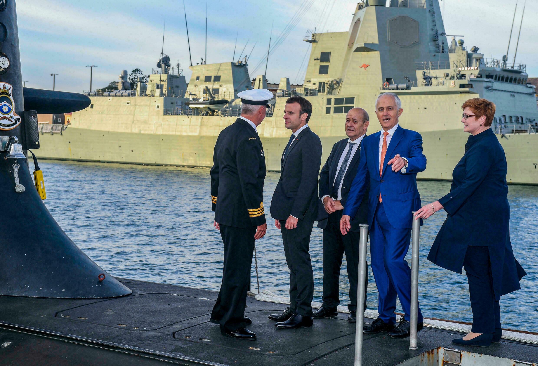 Почна дипломатската војна: Франција ги повлече амбасадорите од Австралија и САД