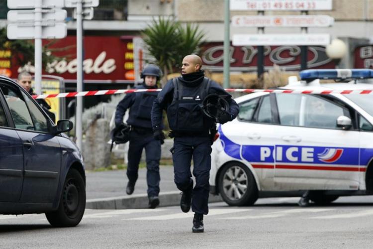 Напаѓач повредил седум лица во Тулуз