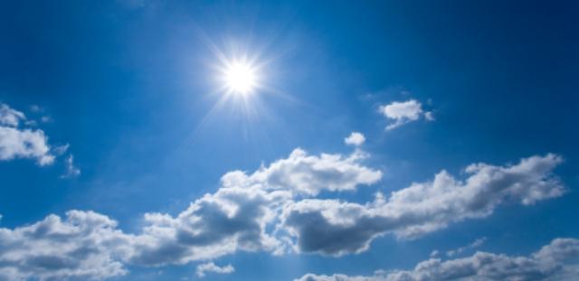 Утре сончево и потопло со мала до умерена облачност