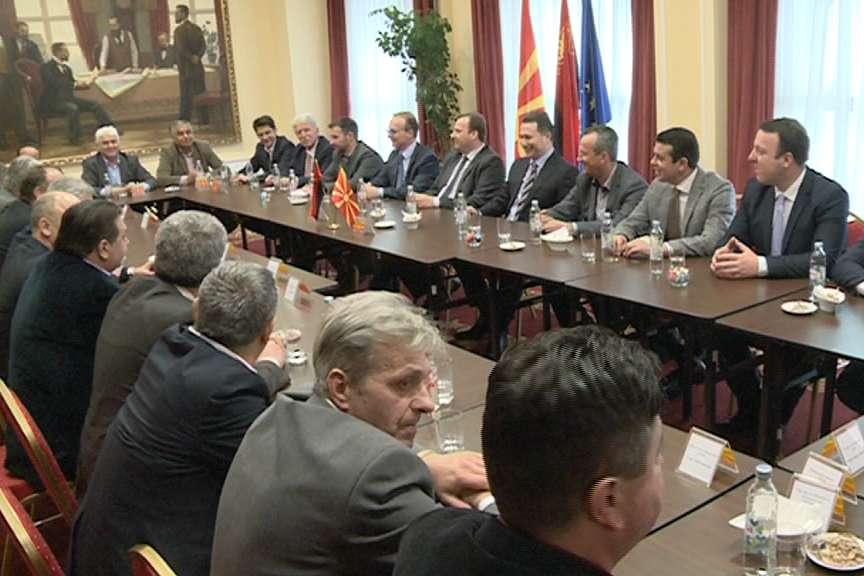 Груевски доби  поддршка од коалициските партнери